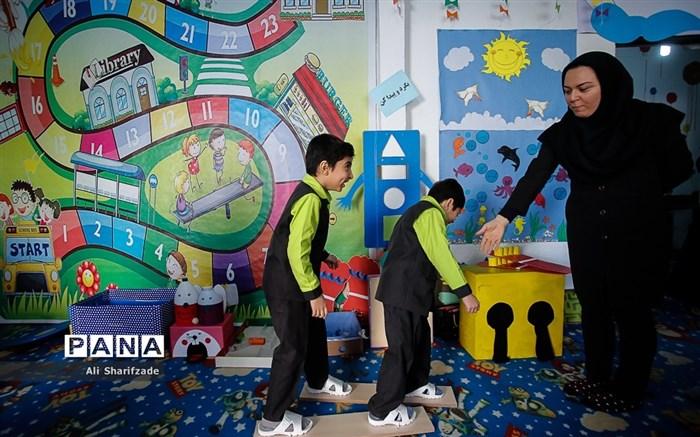 اجرای طرح بازی و یادگیری در دبستان دولتی شهید دلخواسته