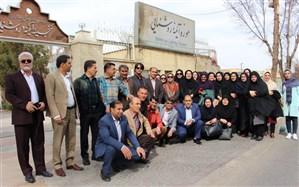 مدیران مدارس هیات امنایی شهرستان بویراحمد  ازموزه قصر آیینه یزد دیدن کردند