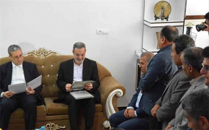 وزیر آموزش و پرورش در دیدار با خانواده شهید فرهنگی قنبری: