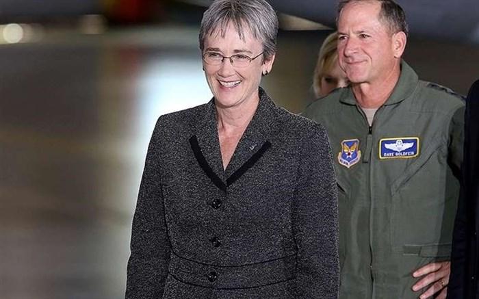وزیر نیروی هوایی آمریکا از سمت خود استعفا میدهد