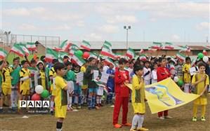اولین جشنواره بزرگ فوتبال پایه دانش آموزان  در ارومیه افتتاح شد