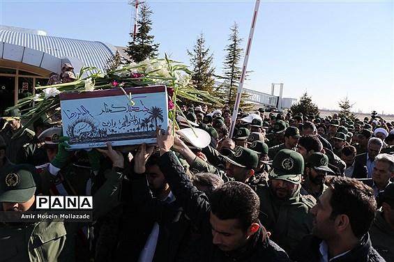 استقبال از شهید گمنام در فرودگاه ارومیه