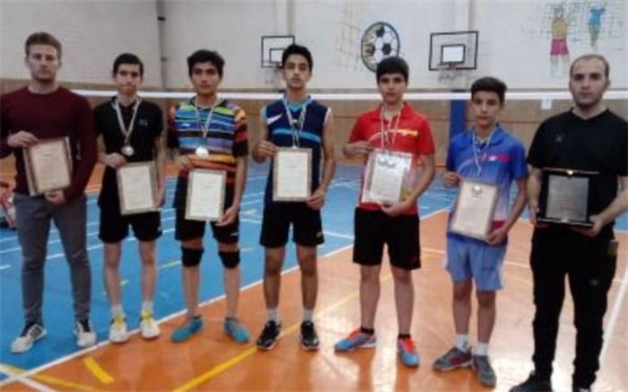 مسابقات قهرمانی بدمینتون و دو میدانی استان