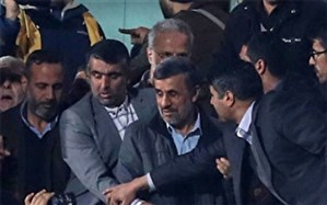 احمدی نژاد قبل از پایان بازی،ورزشگاه را ترک کرد تا نتیجه نامناسب،به گردنش نیفتد؟