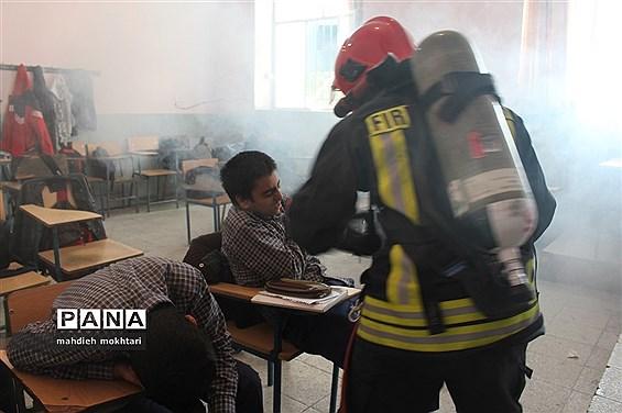 برگزاری مانور چهارشنبهسوری در مدارس استان یزد