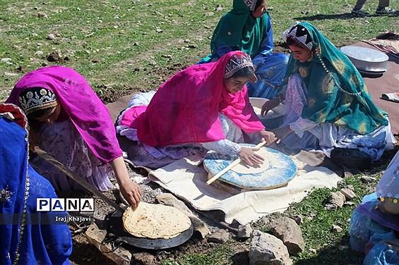 جشنواره غذاهای سنتی و صنایع دستی در روستای چمن سادات حسینی دهدزخوزستان