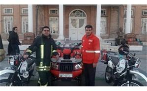 استقرار خودروهای آتش نشانی در نقاط پرتردد شهر ارومیه در چهارشنبه سوری