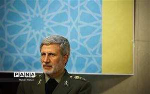 واکنش وزیر دفاع به ادعای آزمایش موشکی
