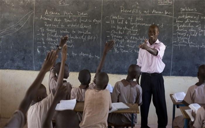 معلم کنیایی جایزه یک میلیون دلاری بهترین معلم دنیا را دریافت کرد