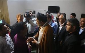 بازدید وزیر اطلاعات از اسکان آسیب دیدگان سیل در شیراز