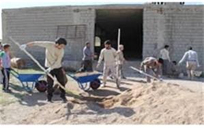حضور دانش آموز ان در فعالیت های خدمت رسانی قرارگاه جهادی ربیون قم