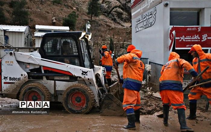 جاری شدن سیل و امدادرسانی در شیراز