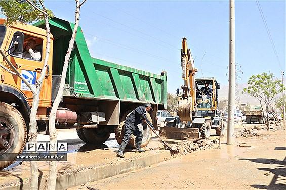 پاکسازی آثار تخریبی سیل در شیراز