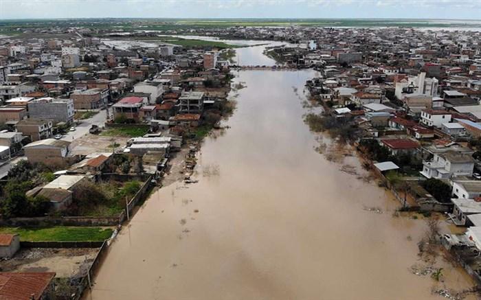 ارتفاع آب در برخی مدارس گلستان بیش از یک متر است