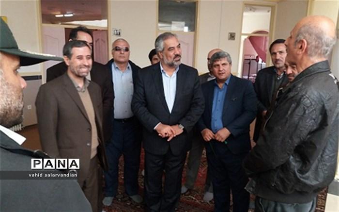بازدید استاندار کردستان از ستاد اسکان فرهنگیان بیجار