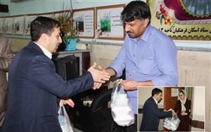 توزیع غذای متبرک حضرت درستادهای اسکان آموزش و پرورش استان قم