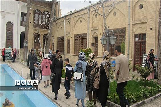بازدید نوروزی از تکیه بیگلربیگی کرمانشاه
