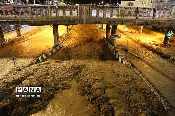 رودخانه قمرود لبریز از سیلاب
