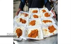 توزیع روزانه ۳۰۰ پرس غذای گرم بین سیل زدگان شادگانی