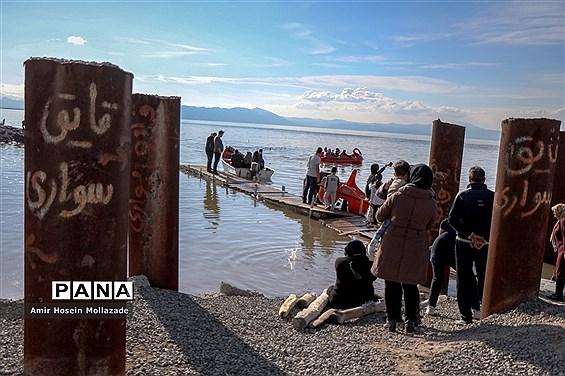 استقبال مردم از پرآبی دریاچه ارومیه