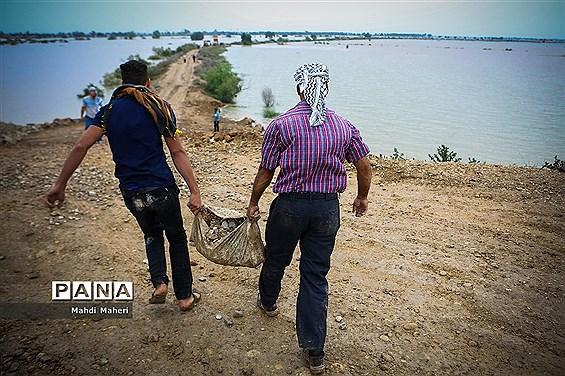 استاندار خوزستان: آب رودخانههای دز و کرخه به سمت اهواز در حال حرکت است