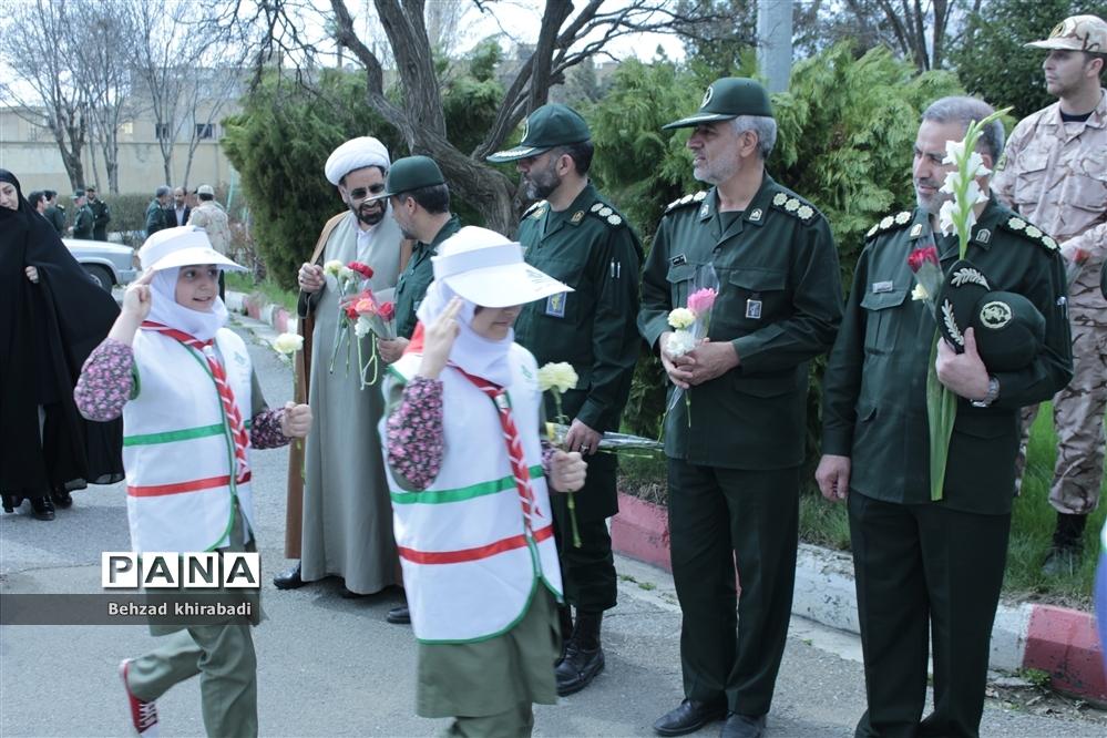 گرامیداشت روز پاسدار در کردستان