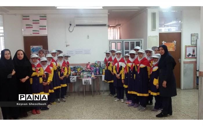 اهدای کمک های آموزش وپرورش شهرستان امیدیه به مناطق سیل زده