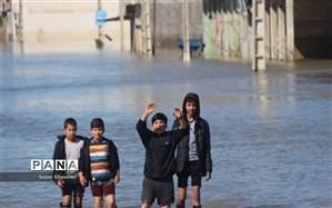 مدارس خوزستان با آب درگیرند، در لرستان و گلستان آموزش برقرار است