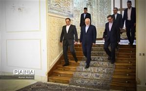 ظریف: ایرانیها باید لغو تحریمها را احساس کنند