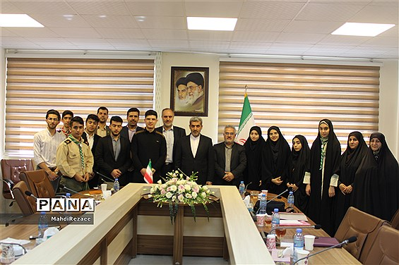 نشست تشکلهای دانشآموزی با مدیرکل آموزش و پرورش استان البرز