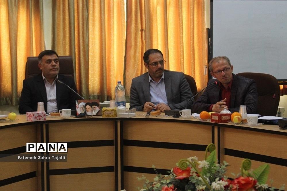 سومین جلسه شورای مرکزی انجمن اولیا و مربیان استان سمنان