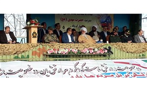مراسم روز ارتش با شکوه تمام در استان زنجان برگزار شد