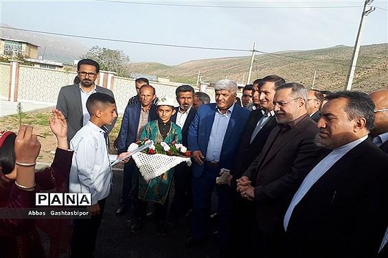 سفر وزیر آموزش و پرورش به منطقه درودزن در فارس