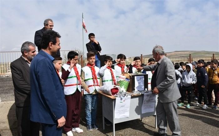 سیل مهربانی همکلاسی ها در تمامی مدارس شهرستان دیواندره جاری شد