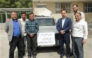ارسال کمک های فرهنگیان و دانش آموزان منطقه جرقویه علیا به مناطق سیل زده