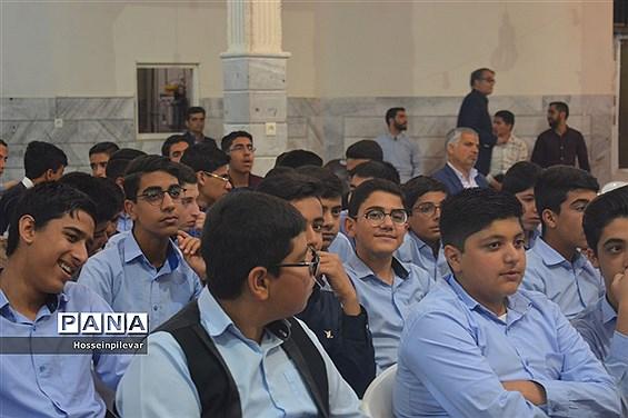 برگزاری جشن تکلیف دبیرستان شهید نواب صفوی بیرجند در مسجد  جامع توحید