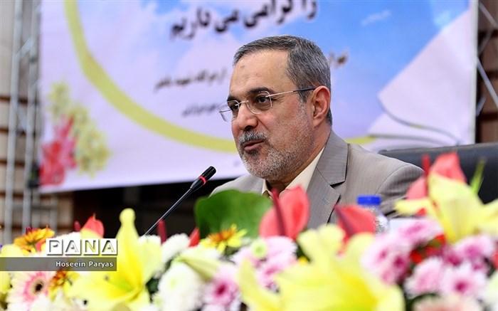 بطحایی: همسانسازی حقوق بازنشستگان فرهنگی در سال ۹۸ جدیتر دنبال میشود