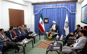 شوراهای اسلامی شهر و روستا به دور از گرایشهای سیاسی به مردم خدمت کنند