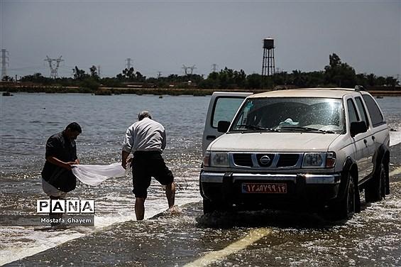 آب گرفتگی مسیراهواز_آبادان و ماهیگیری مردم از تالابها