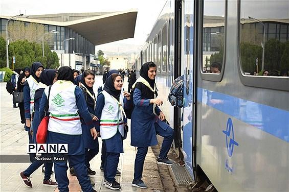 بازدید پیشتازان از راه آهن آذربایجان