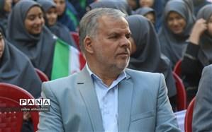 ابوالقاسم حدادی: به معلمان به عنوان کارکنان یک اداره نگاه نکنیم