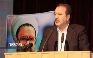استاندار فارس خطاب به معلمان: ما امروز با یک جنگ تمام عیار اقتصادی مواجه هستیم و خواستههای ما باید با شرایط عادی متفاوت باشد