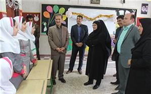 معاون آموزش ابتدایی وزارت آموزش و پرورش  از دبستان دخترانه شاهد شهید سلیمان خاطر کامیاران بازدید کرد