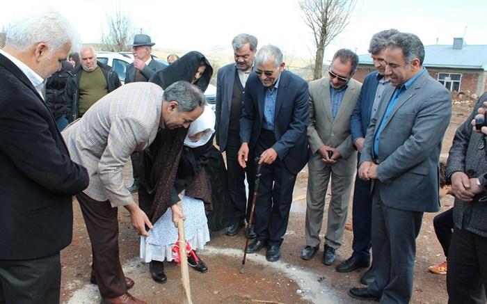 آیین کلنگ زنی ششمین پروژه مدرسه سازی خیر ساز استان اردبیل