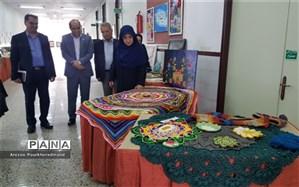 بازدید معاون وزیر از نمایشگاه آثار هنری دانش آموزی