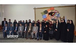 تجلیل از معلمان منطقه2 با حضور رییس دانشگاه فرهنگیان