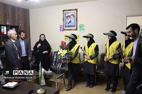 بازدید مربیان و پیشتازان ناحیه 2 اهواز از سازمان دانشآموزی خوزستان