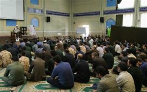 صرفاً با حفظ قرآن نمیتوانیم اخلاقی باشیم بلکه باید با قرآن انس پیدا کنیم
