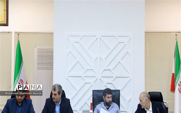 استاندار خوزستان: آموزش و پرورش یکی از دستگاههایی بود که در حوزه امدادی بسیار به ما کمک کرد