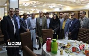 برگزاری ضیافت افطاری با حضور دبیران دبیرستان دوره دوم شهید صدوقی